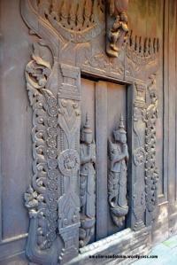 Detail eksterior Shwenandaw Kyaung  di Mandalay