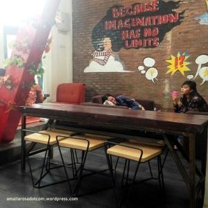 Interior dalam Essprezza cafe