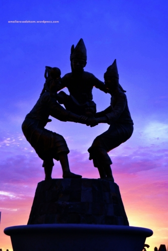 after sunset di losari