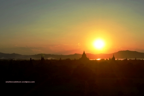 Sunset dari Bagan, Myanmar