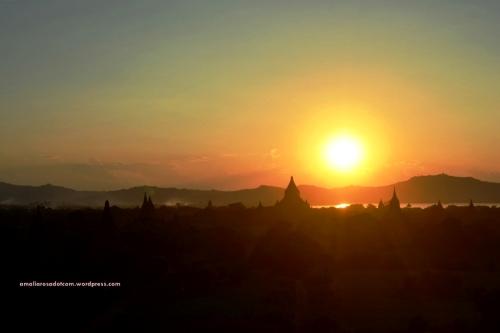 Sunset dari Bagan, Myanmar