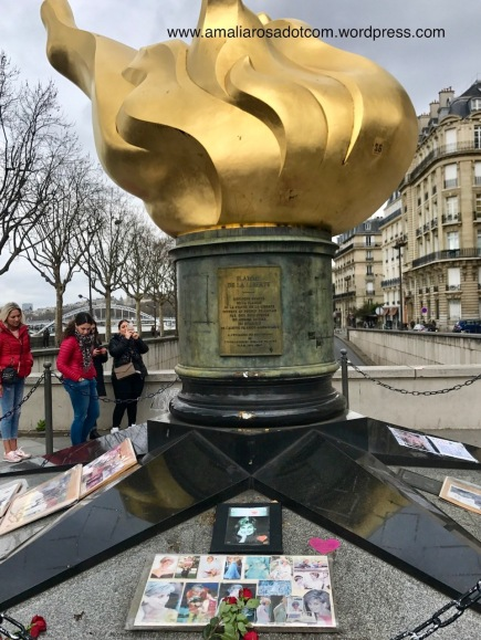 Flame of Liberty, unofficial remembrance for Lady Diana