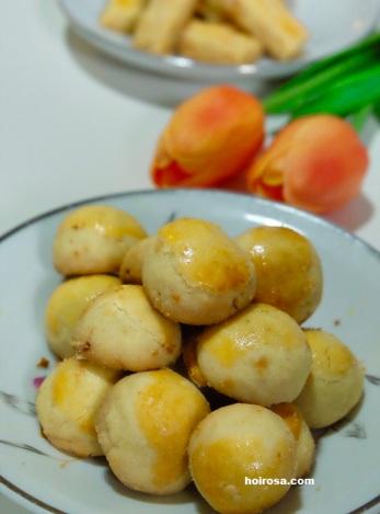 Nastar cookies with pineapple jam filling